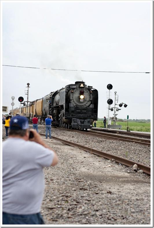 steam engine rolls through Odem, TX