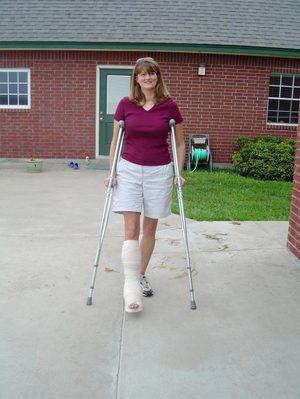 Dsc03720crutches_1